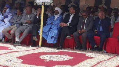 Photo de Le Maire assiste à l'inauguration dans la commune, d'un nouveau siège de l'union des bourses d'automobiles