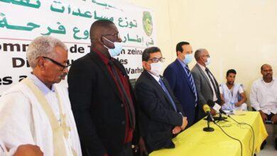 صورة بلدية تفرغ زينة توزع فرحة عيد الأضحى المبارك على 300 من العمال و الأسر